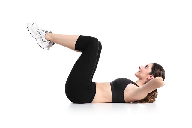 exercice du crunch pour réduire la graisse