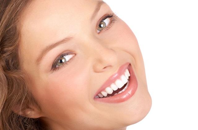 affiner son visage grâce au sourire