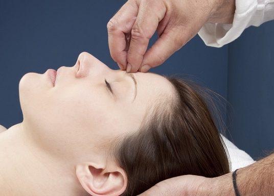 Hypnose pour maigrir : comment perdre du poids avec cette méthode ?