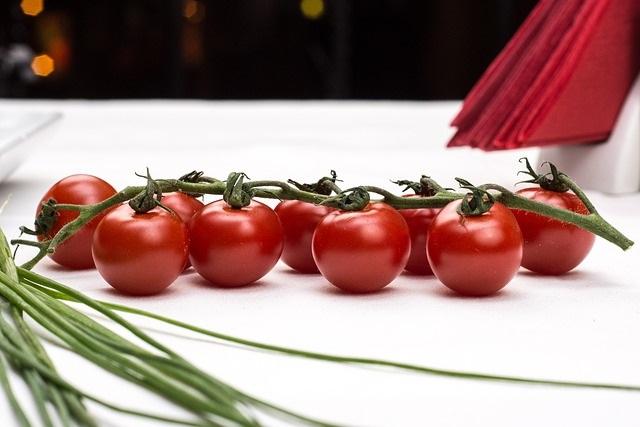 légumes crus pour une collation saine