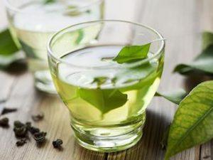 le thé vert pour un ventre plat